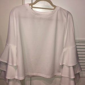 Tops - White ruffled bell sleeves shirt